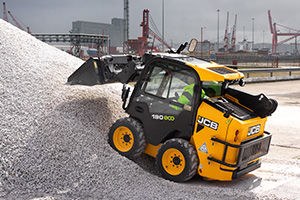 JCB 190 skid steer with vertical lift path