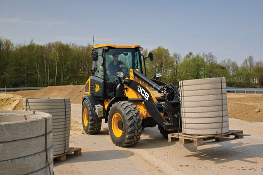 409 compact wheel loader application