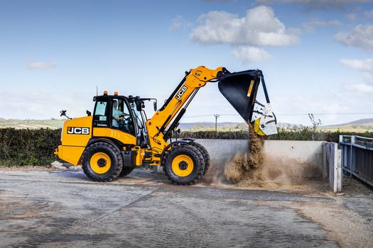JCB TM320S AGRI and specifications