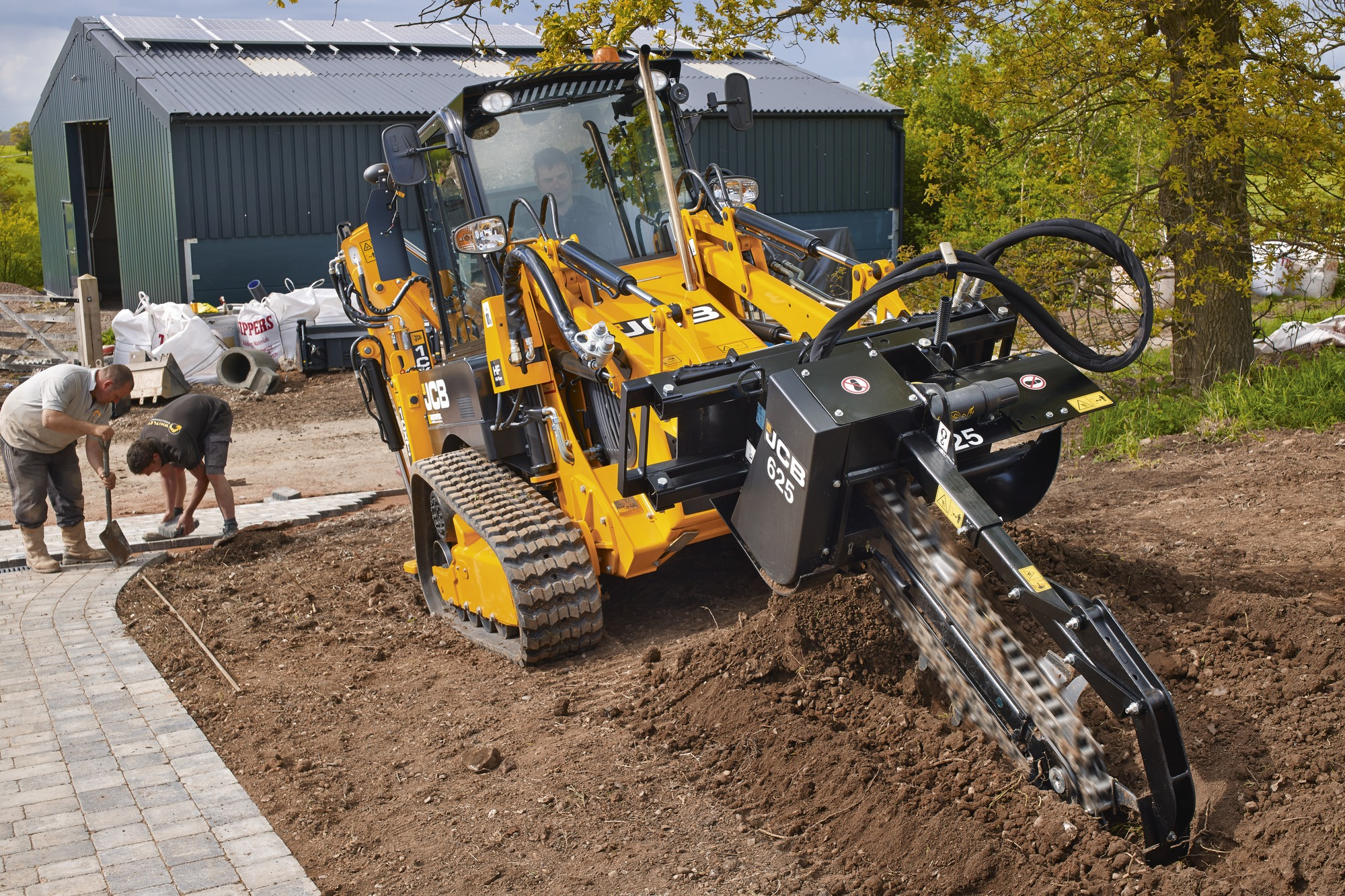 BHL 1CX Track with Trencher