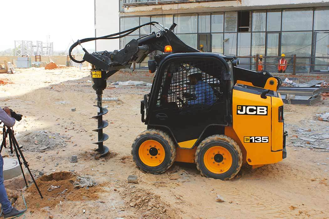 Skid Steer JCB 135