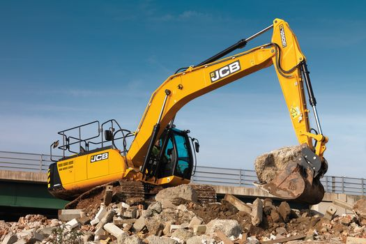 JS205, Tracked excavator, application, demolition