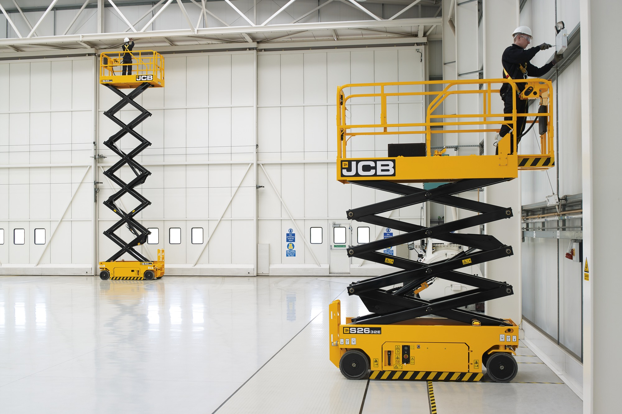 S2632e 26 Foot Jcb Electric Scissor Lift Jcb Com