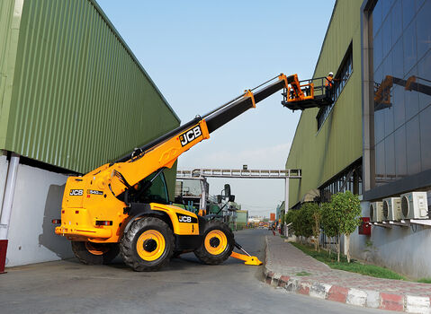 Telehandler-Industrial-Manplateform-1050-768